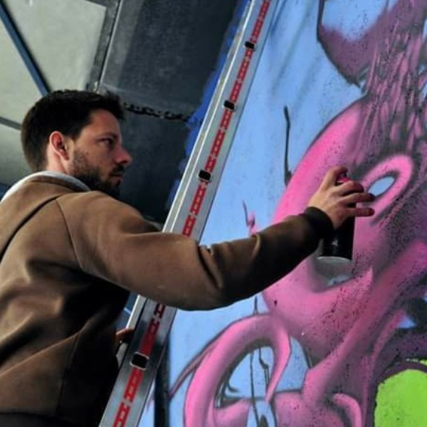 CUSTOM & STREET ART